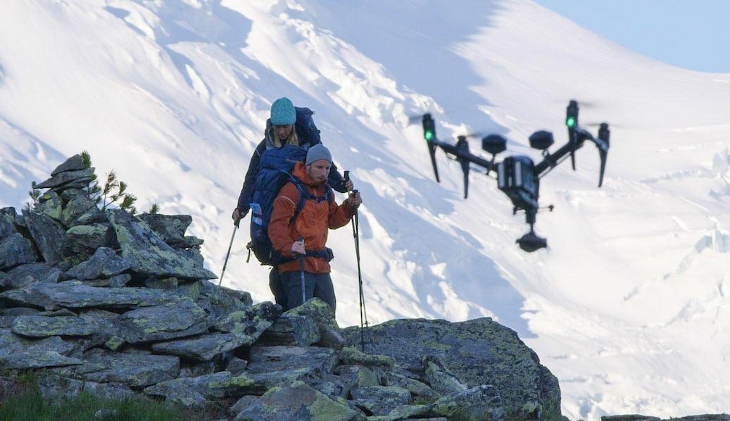 Tournage image aérienne en montagne