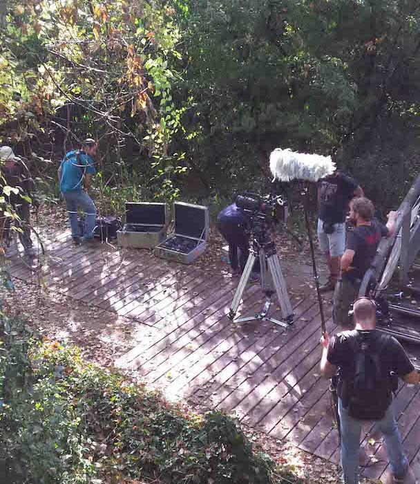 Équipe de TF1 préparant les caméras au parc de la feyssine