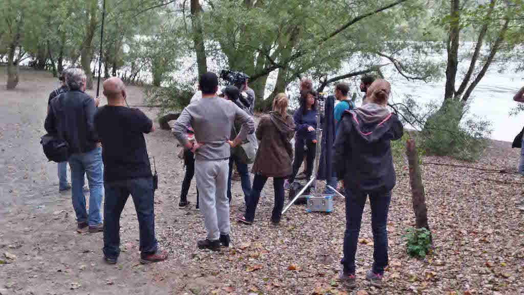Acteur et équipe de Léonis Production en tournage pour une fiction à proximité du Rhône
