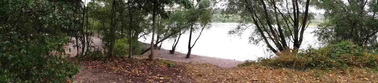 Paysage d'un décor de tournage situé au parc de la feyssine