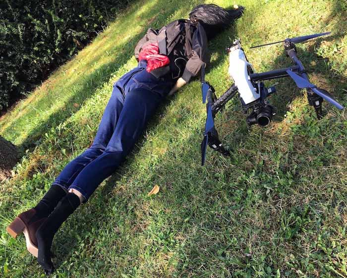 Mannequin avec drone dans tournage fiction Auvergne-Rhône-Alpes