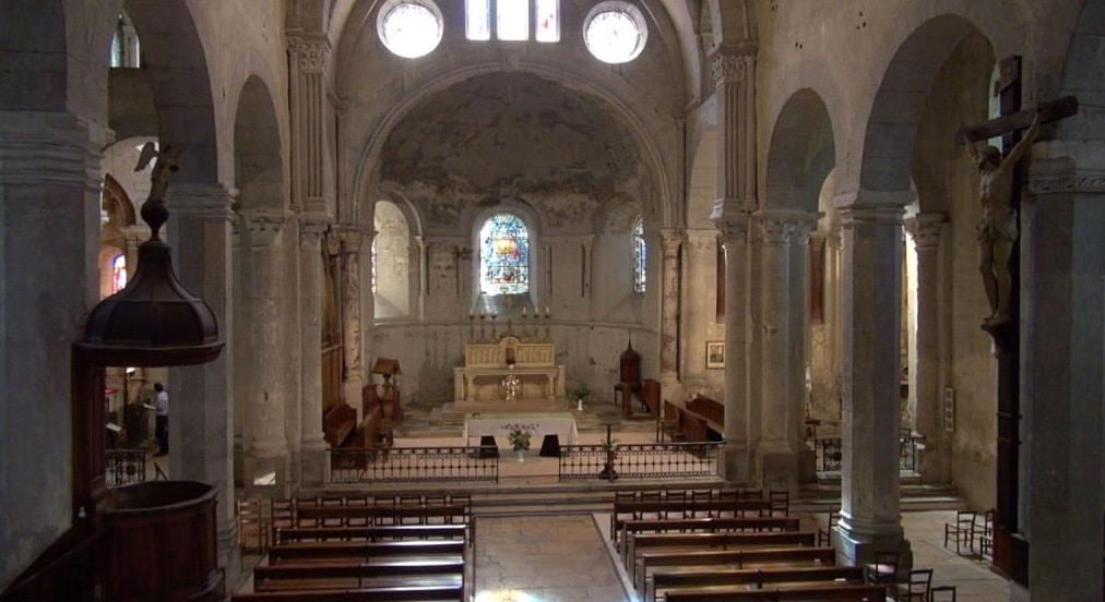 Cathédrale pour fiction et série drone en Rhône Alpes