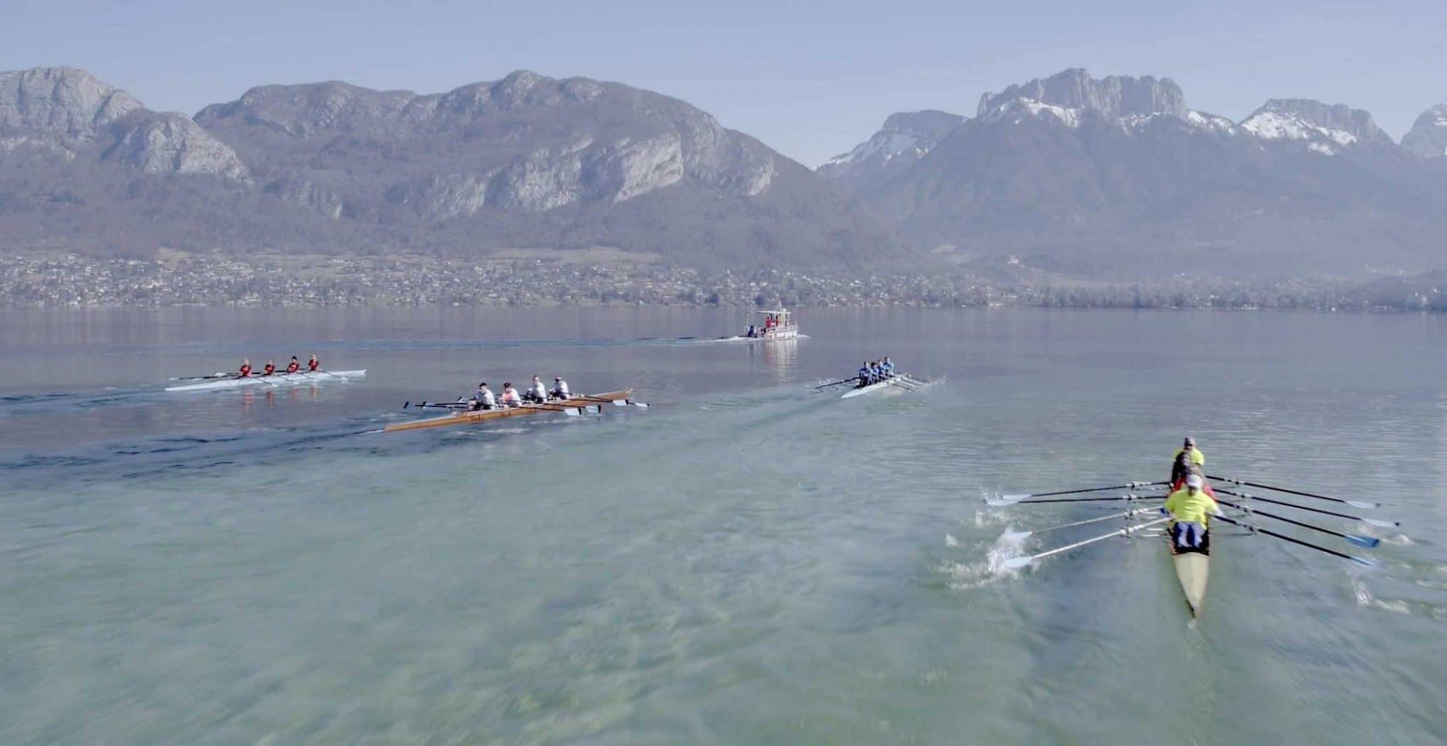 Vidéo aérienne drone d'aviron sur le lac Annecy