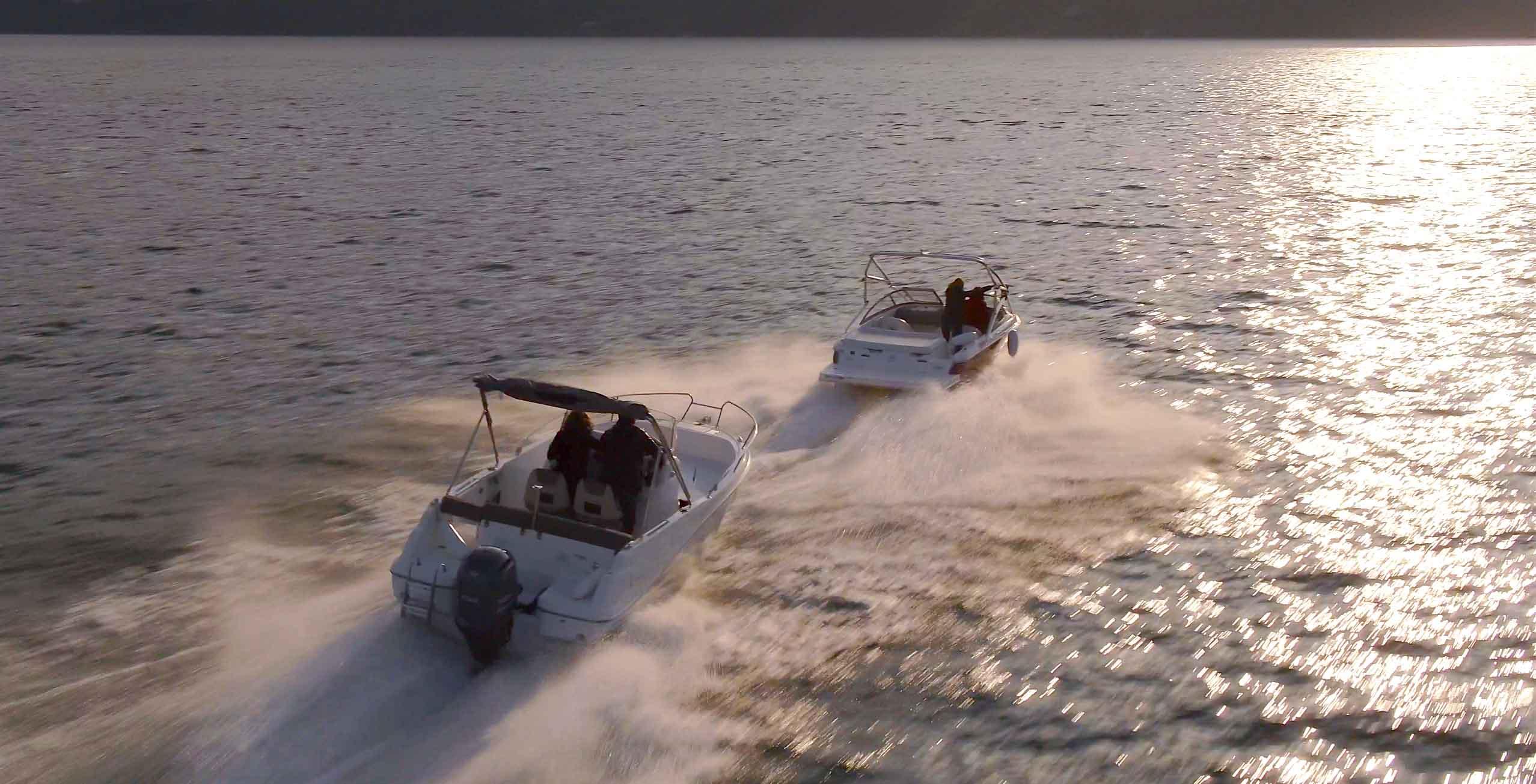 Poursuite de bateaux avec le drone sur lac Annecy