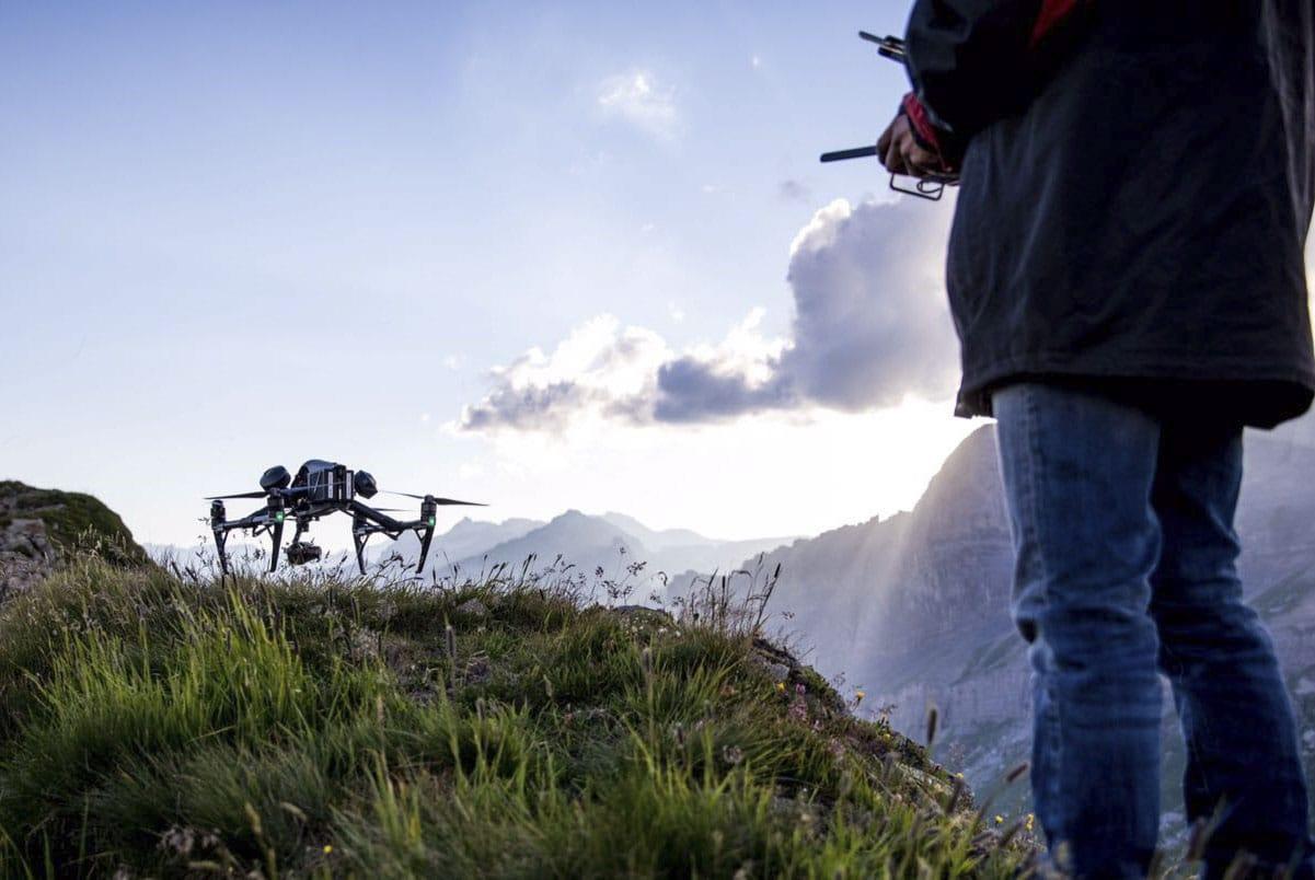 pilote et drone
