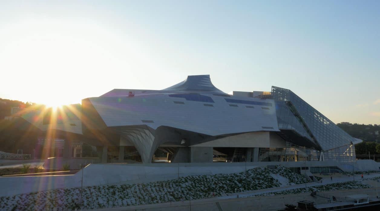 Musée confluence coucher de soleil par drone