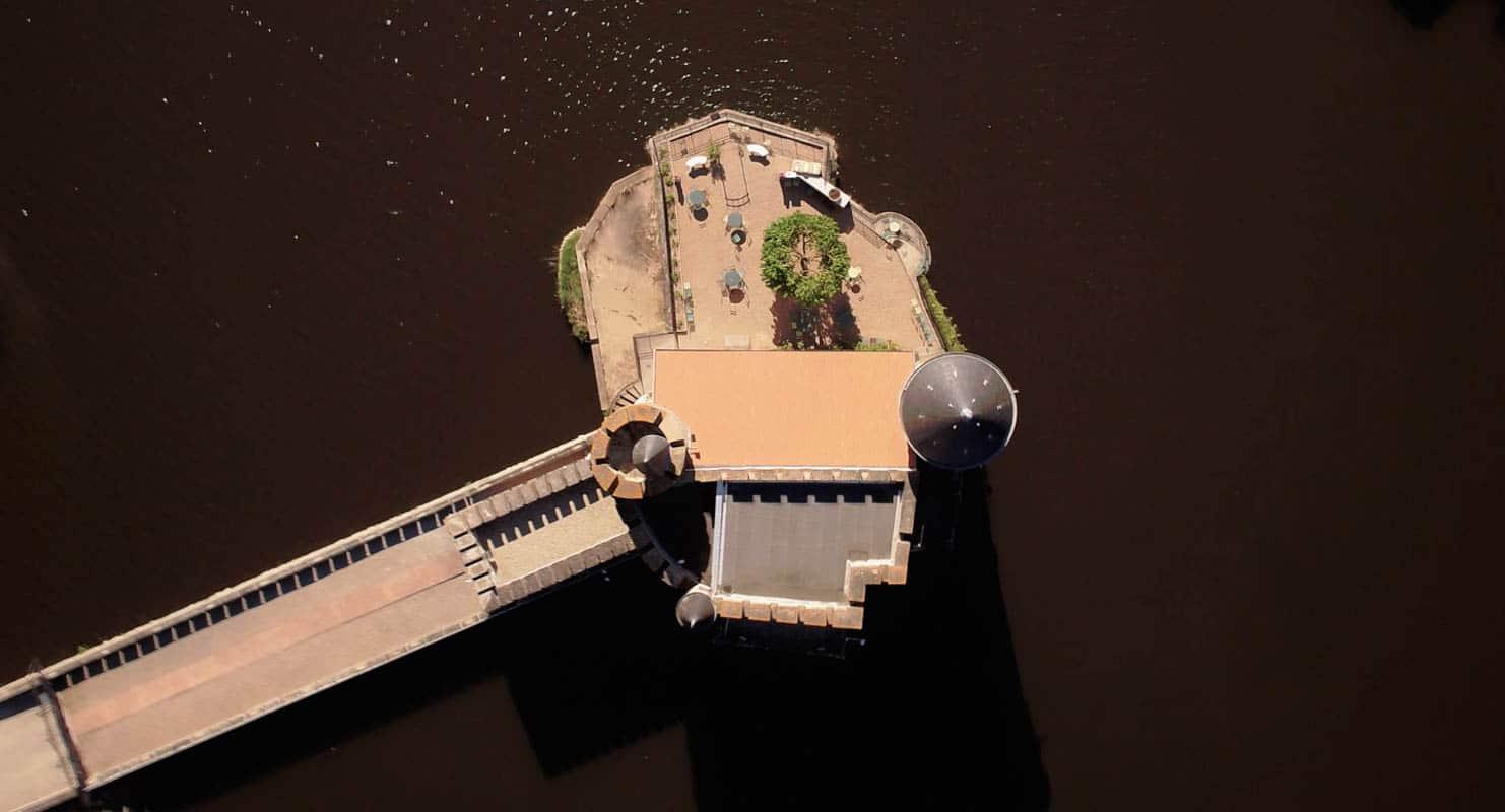 chateau de la roche Loire film aérien drone