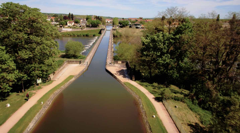 Pont Canal Digoin Drone Film aérien