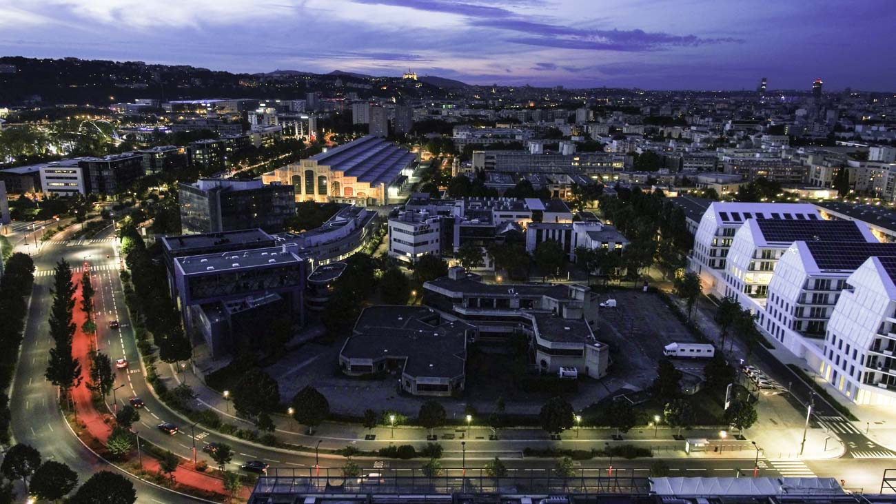 Lyon de nuit par drone