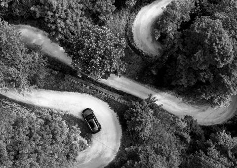 Suivi de véhicule pas drone vu de haut