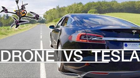 Course entre tesla et drone racer